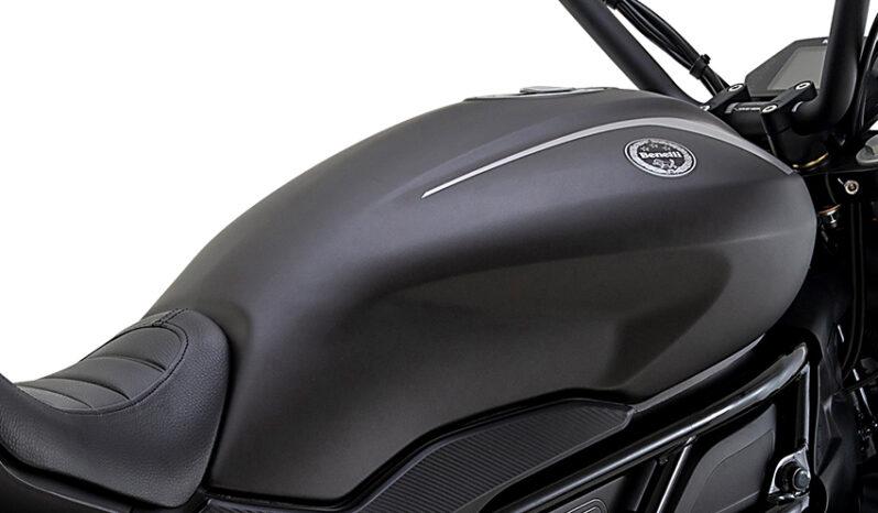 Benelli 502C – schwarz voll