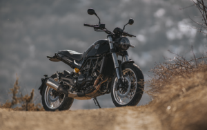 Benelli Leoncino 500 Trail - schwarz